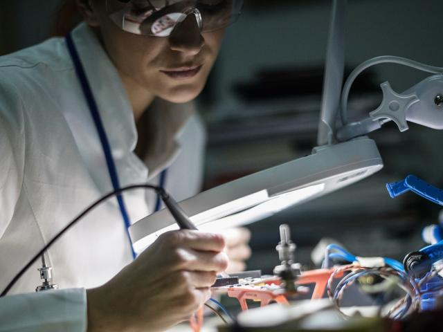 Clarkson is home to many electrical engineers through our electrical engineering degree programs. Our curriculum ranges from electrical engineering basics all the way up to highly specialized areas of research and expertise.